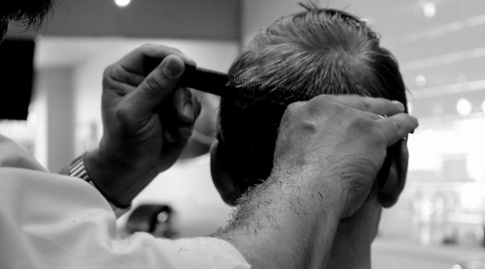 klippa håret