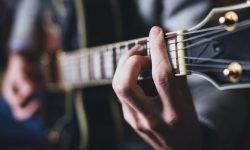 Drömtydning gitarr - Vad betyder det?